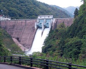 佐波川ダム